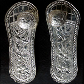 Energized Silver Feet of Guru - For All-Round Blessings